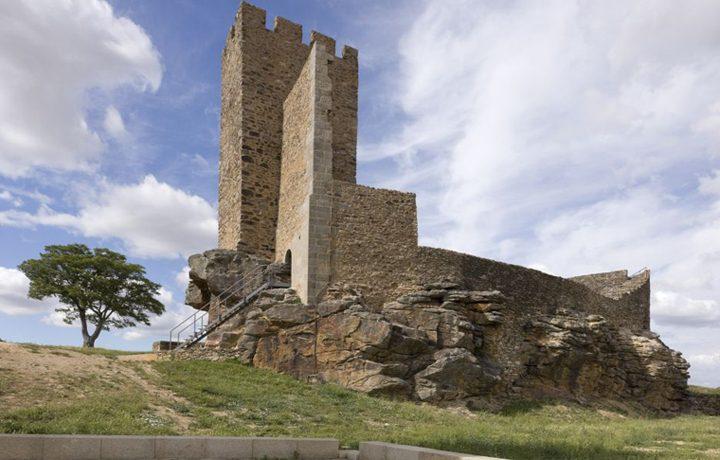 02_castelo_de_mogadouro_2_7781560545490177e57b6d