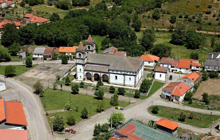 Basílica Menor de Santo Cristo de Outeiro_basilica_outeiro_1_183186548754e2163cdf43a