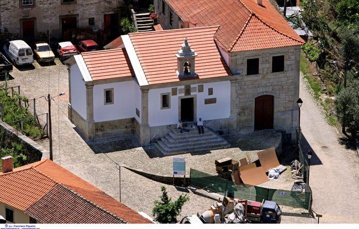 Capela de Sao Pedro de Balsemao_02_capela_balsemao_2_16571844295490213a4a3c5