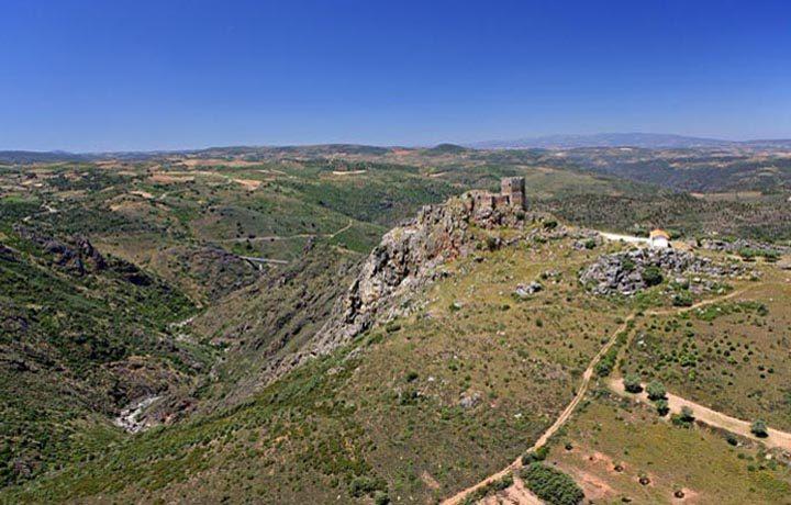 Castelo de Algoso_01_castelo_de_algoso_2_194079630654d8a12697a96