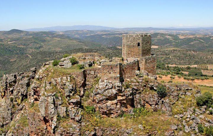 Castelo de Algoso_02_castelo_de_algoso_1_147346430954d8a13238563