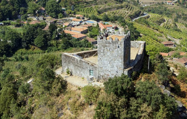 Castelo de Arnóia_arnoia_2_193021373654e76c32dccf9