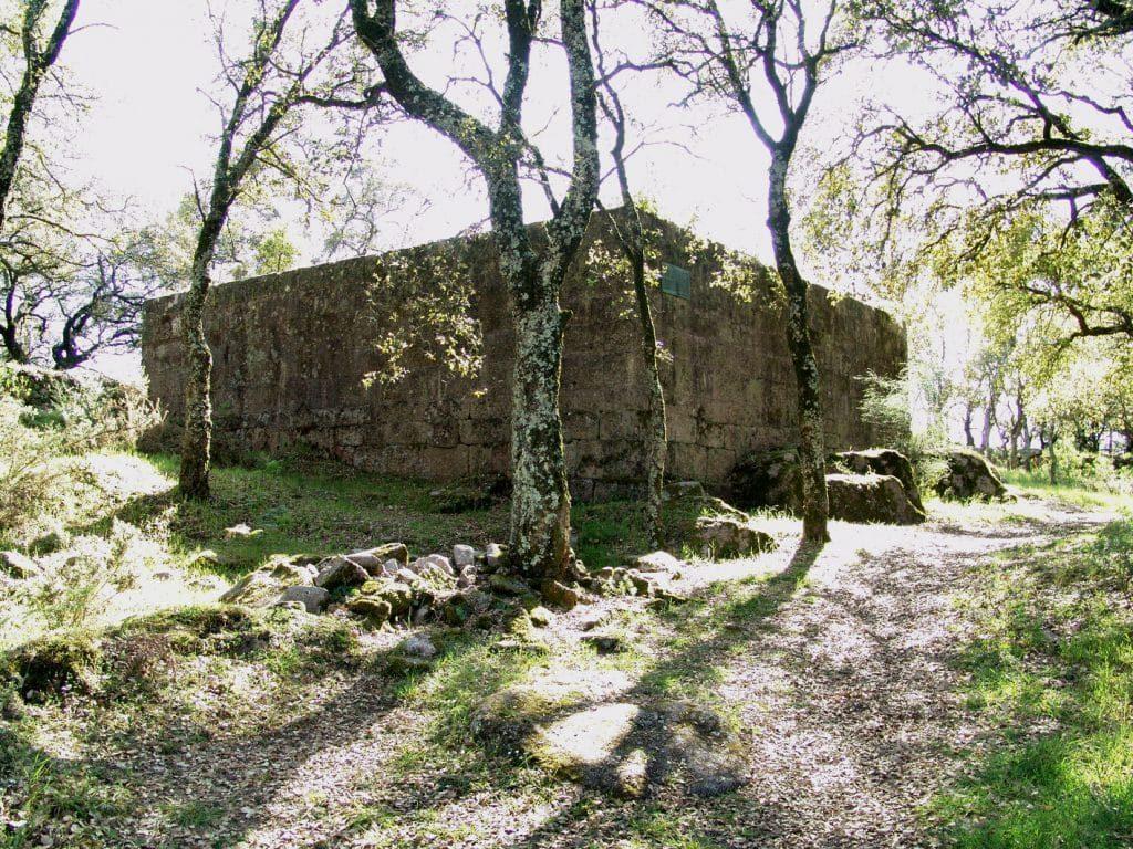 ruinas castelo de faria estação arqueológica