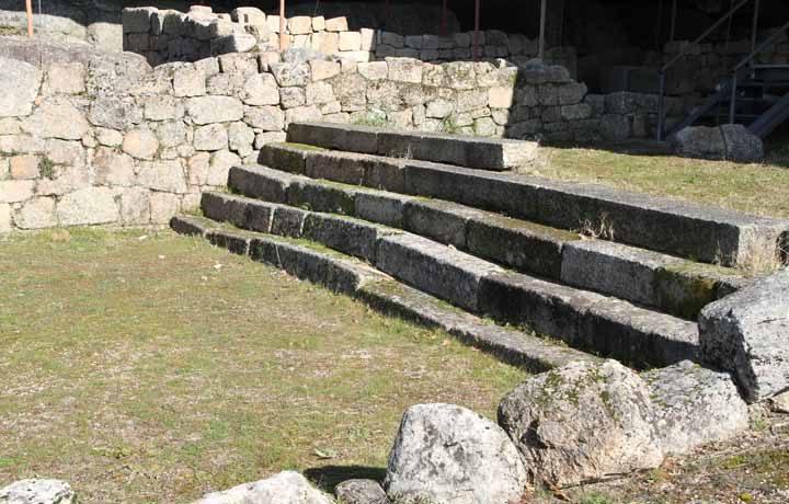 Estação Arqueológica do Freixo - Tongóbriga_06_acesso_as_termas_10961626554d880c19a727