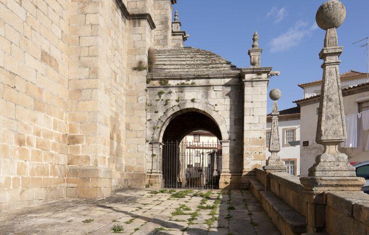 Igreja de Torre de Moncorvo_moncorvo_5_2848184754e2088b8d2e9