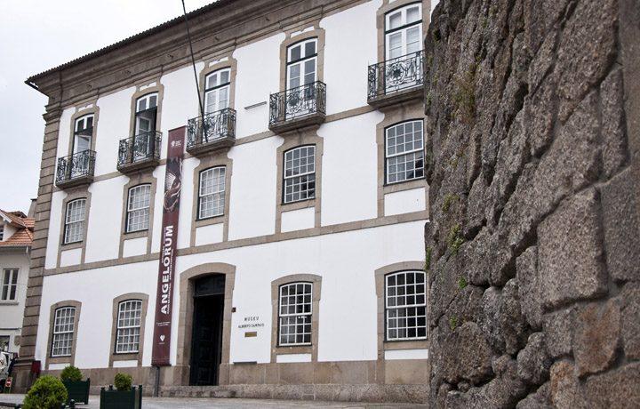 Museu de Alberto Sampaio_01_mas-fachada.principal_59476496254d685f646a26