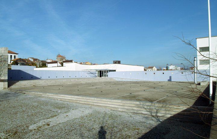 Museu de Arqueologia D. Diogo de Sousa_01_mdds-fachada.frontal_80954995554d6843e1d7d4