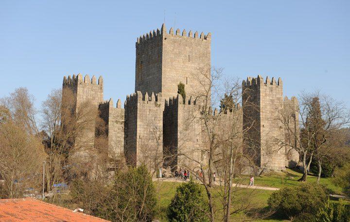 castelo_guimaraes_5__572911954818d52a60f7