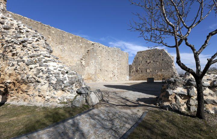 castelo_miranda_do_douro_1_214064776854e1d0c6b6ea0