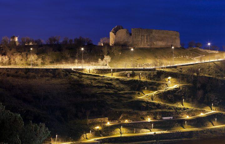 castelo_miranda_do_douro_4_34162471554e1d1f49538c