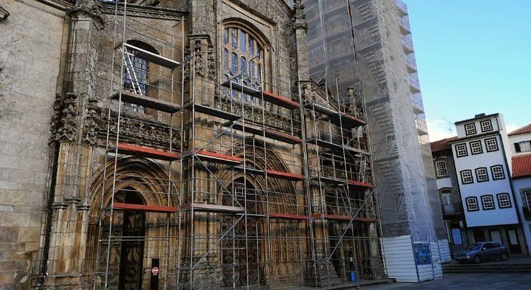 obras na Catedral de Lamego